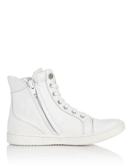 "sneaker ""monologue"""