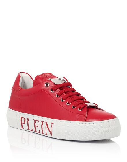 low sneaker genelle