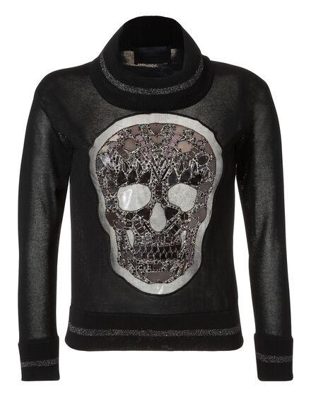 pullover laced skull