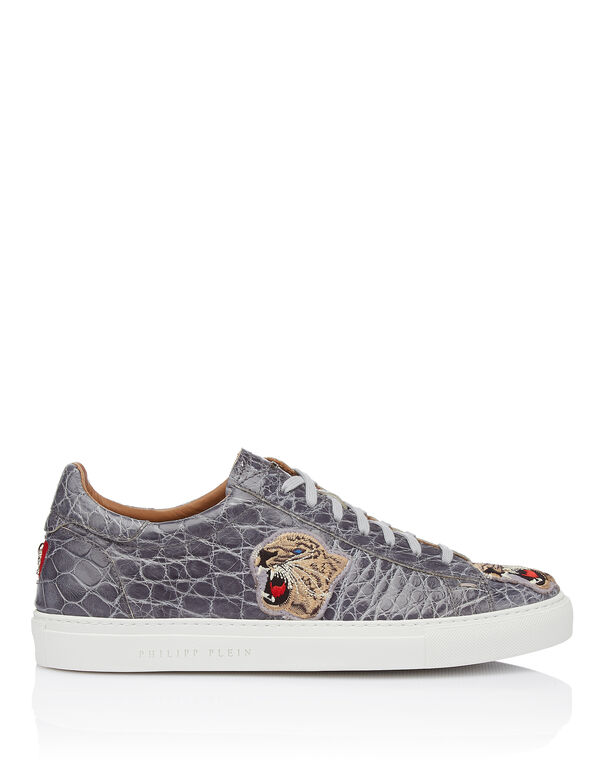"Lo-Top Sneakers ""Hyena"""