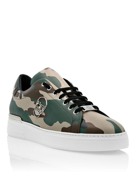 Lo-Top Sneakers Camou The $kull TM