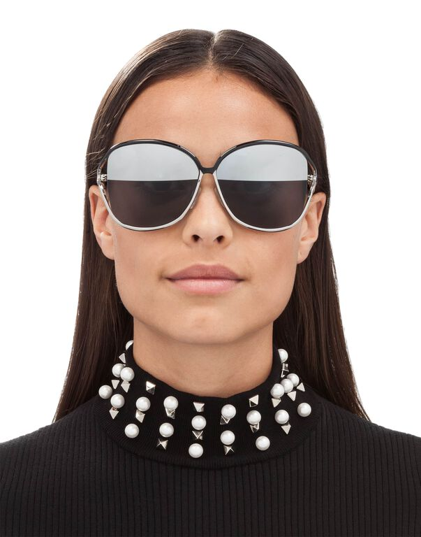 "Sunglasses ""solve"""