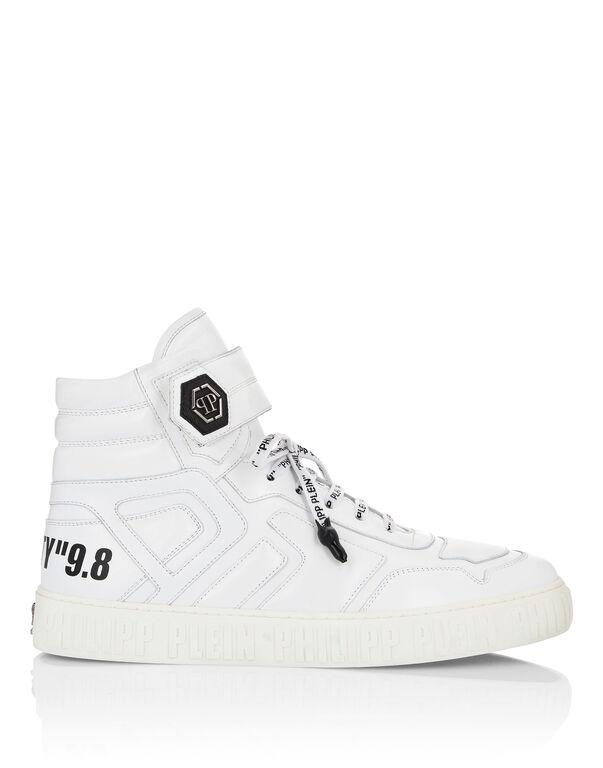 Hi-Top Sneakers Statement