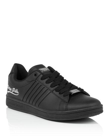 low sneakers tonite