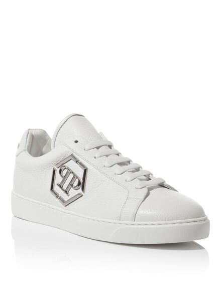 Lo-Top Sneakers Over the top