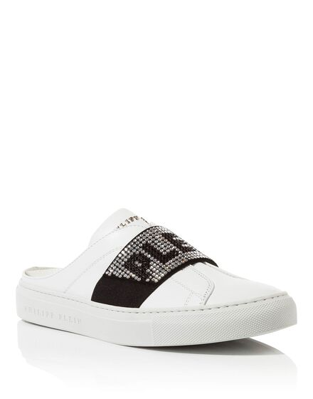 Lo-Top Sneakers Hey boy