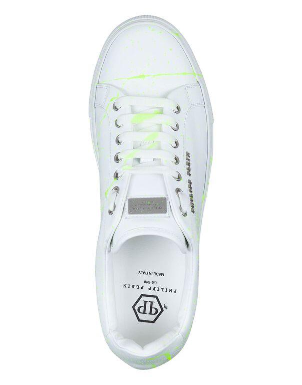 a16d65a137b Lo-Top Sneakers