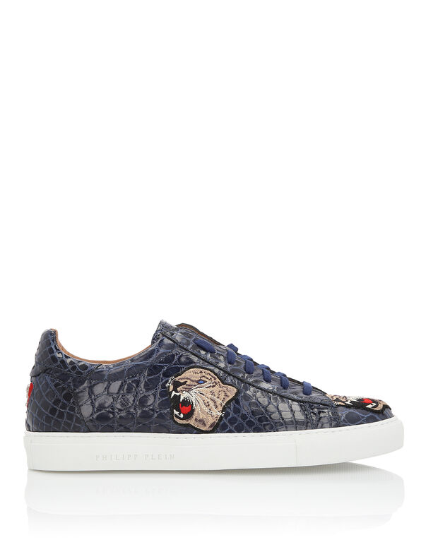 "Lo-Top Sneakers ""Hyena"""