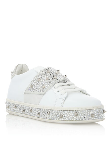 Lo-Top Sneakers Full of crystal