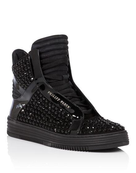 Hi-Top Sneakers Thrills