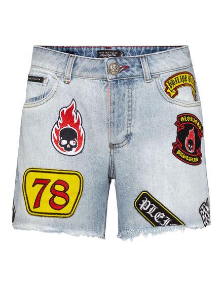 Hot pants Fashion show