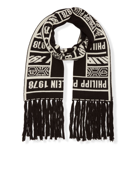 Long Scarf Gothic font
