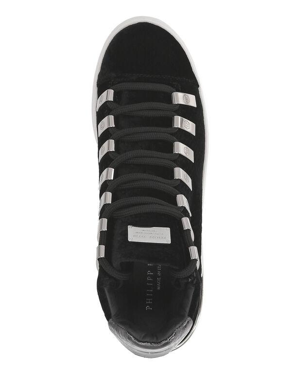 """Lo-Top Sneakers """"Velvet"""""""