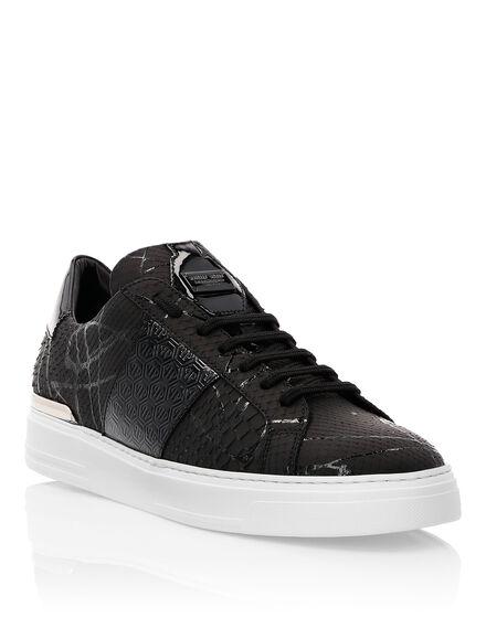 Lo-Top Sneakers Black one