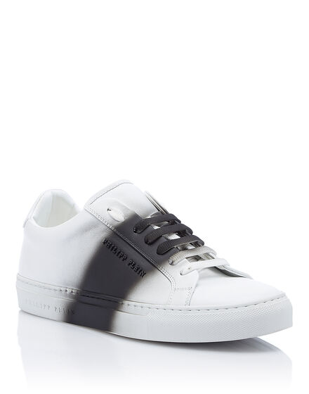 Lo-Top Sneakers Provides the scene