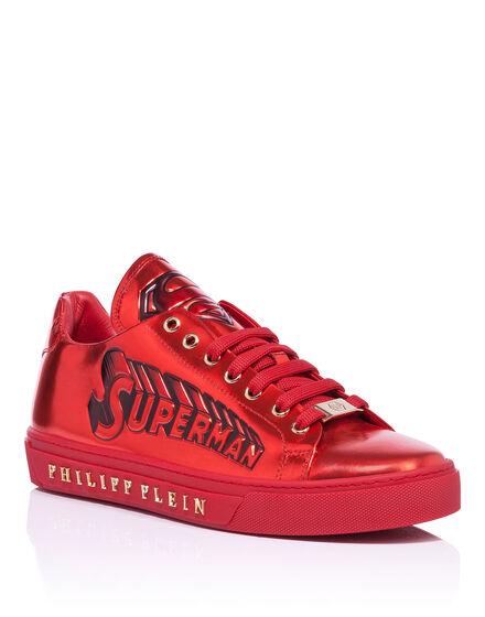 low sneakers shout