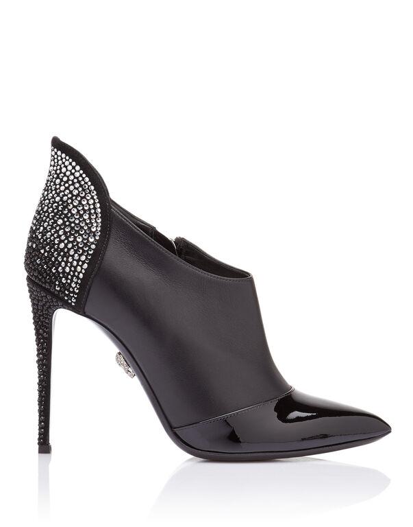 """bootie high heels """"Light on me"""""""