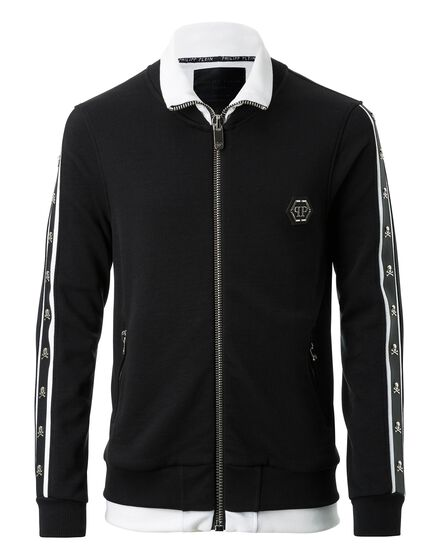 Jogging Jacket Closer