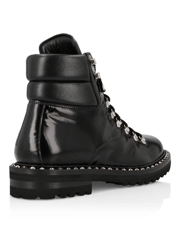 Boots Mid Flat Stars and skull