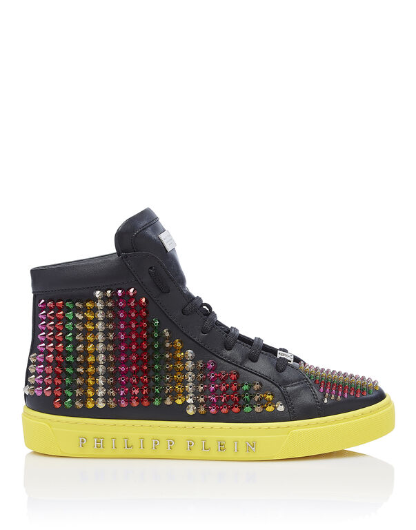 "Hi-Top Sneakers ""Out of control"""