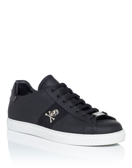Lo-Top Sneakers Welcome