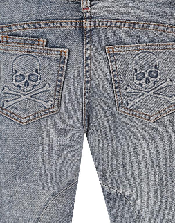Milano cut Skull