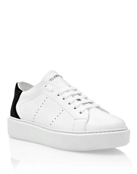 Lo-Top Sneakers Skull