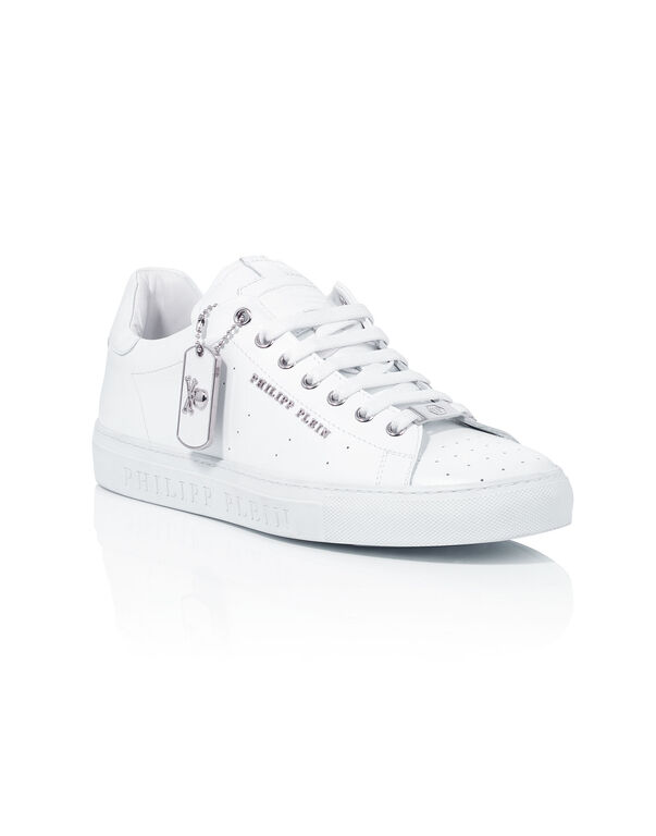 d904457a49d329 low sneakers