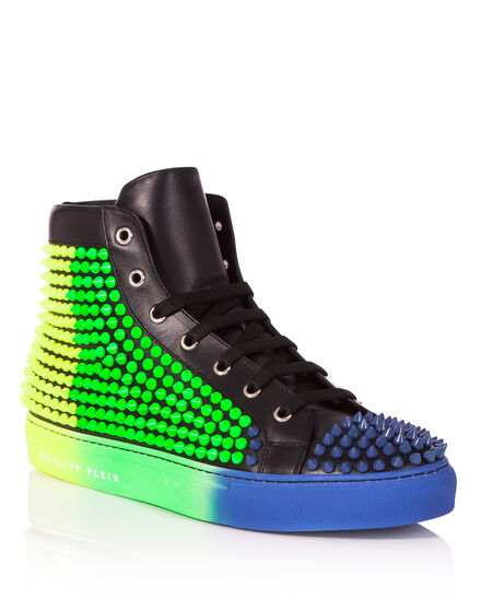 Mid-Top Sneakers Lies