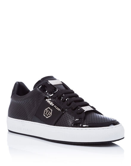 Lo-Top Sneakers Yess I do