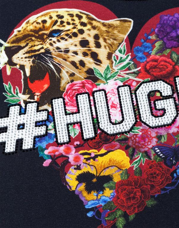 "T-shirt Round Neck SS ""Hug me"""