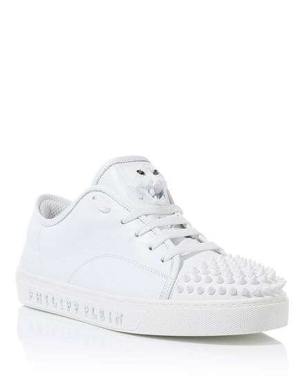 Lo-Top Sneakers Taking my time