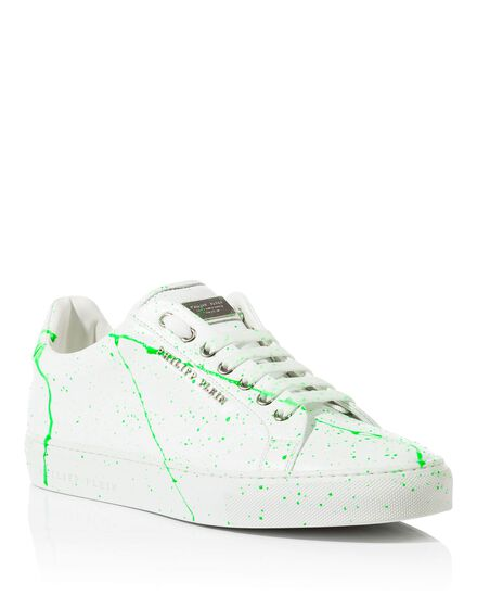 Lo-Top Sneakers small town
