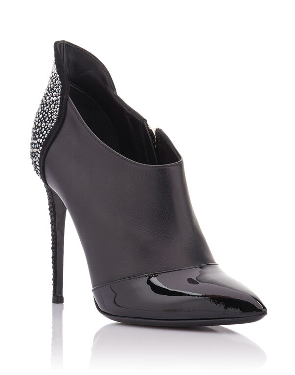 "bootie high heels ""Light on me"""
