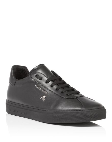 Lo-Top Sneakers Pixie