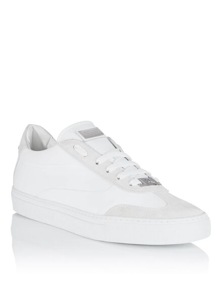 Lo-Top Sneakers next to you