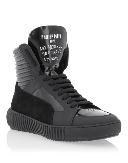 Hi-Top Sneakers MM Skull