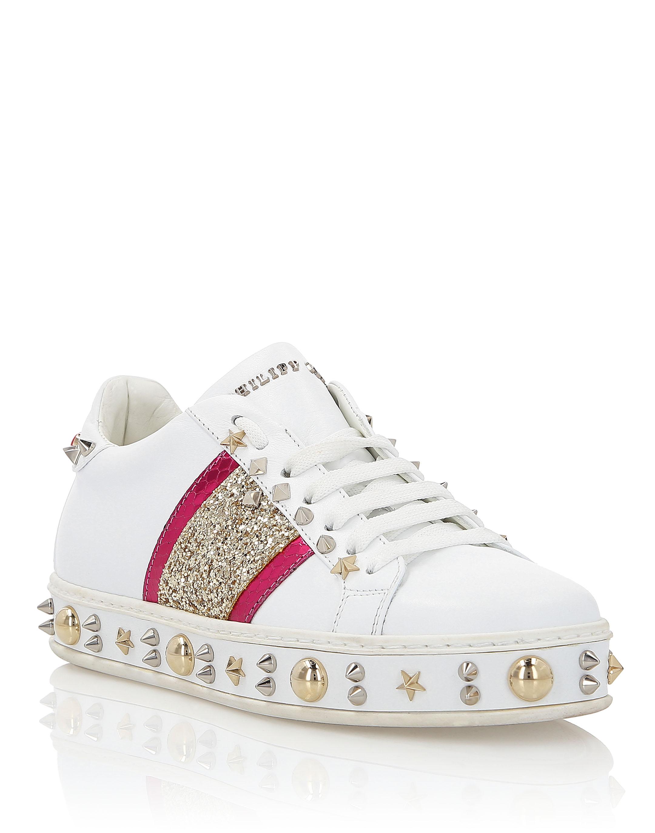 Sneakers \