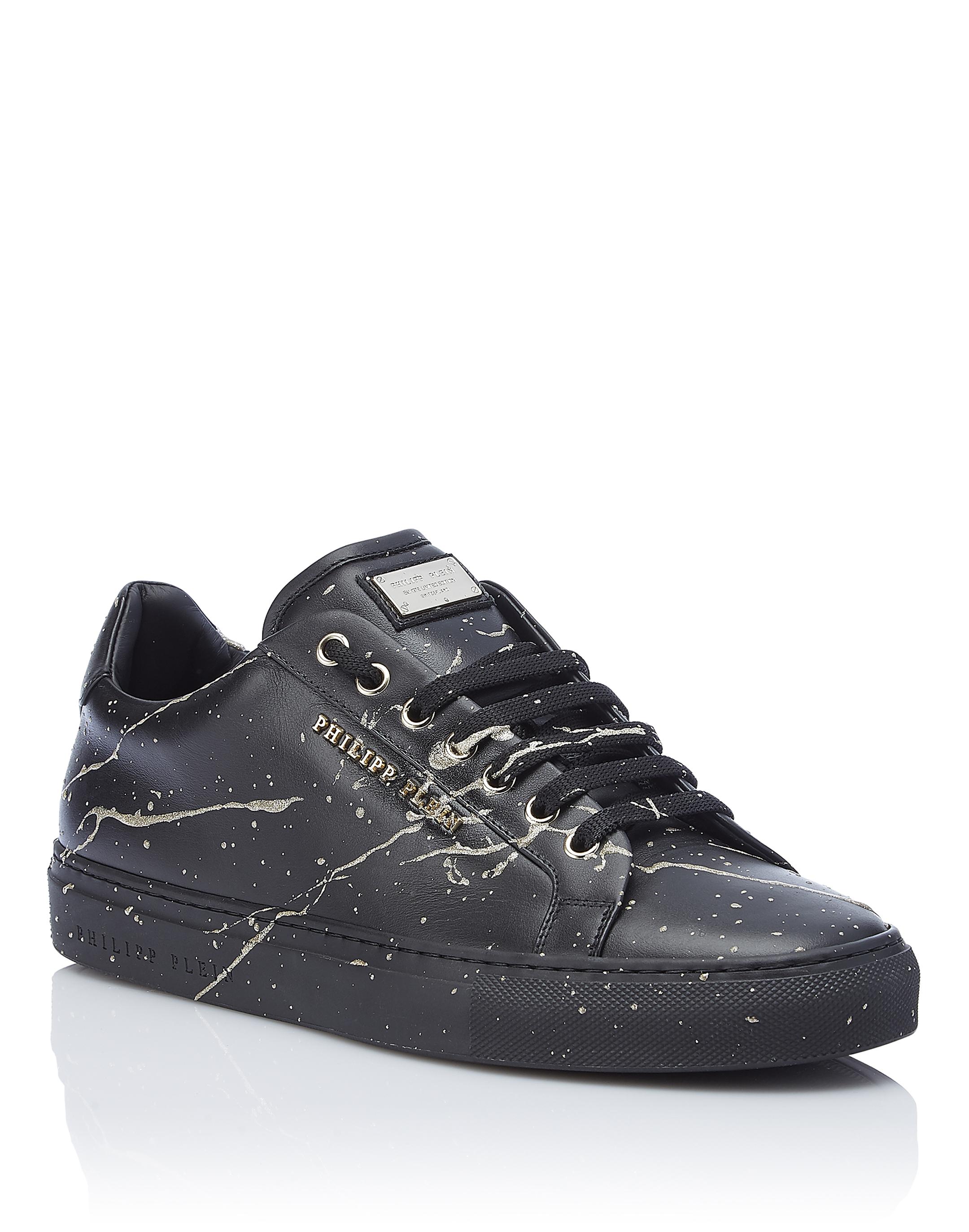 Lo Top Sneakers